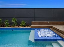 Spa and swimming pool in Brighton Great Ocean Pools